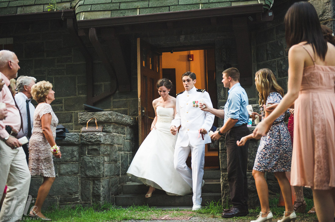 29-in-the-oaks-wedding-montreat