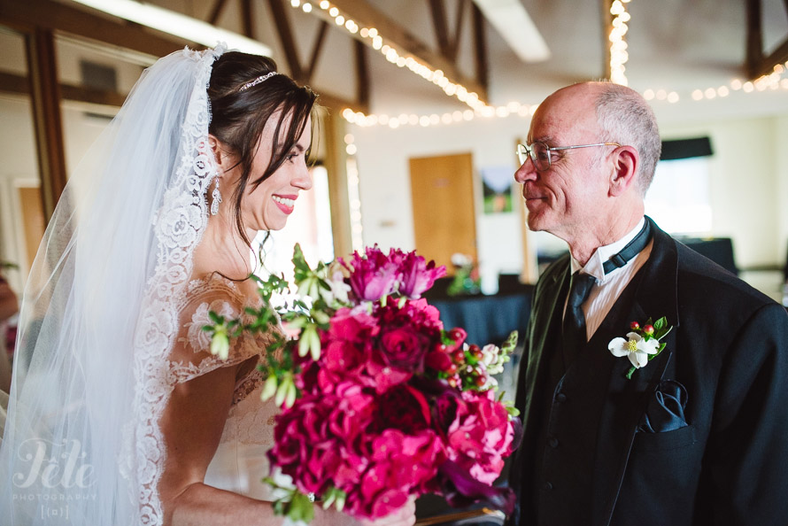 08-fathers-first-look-at-bride