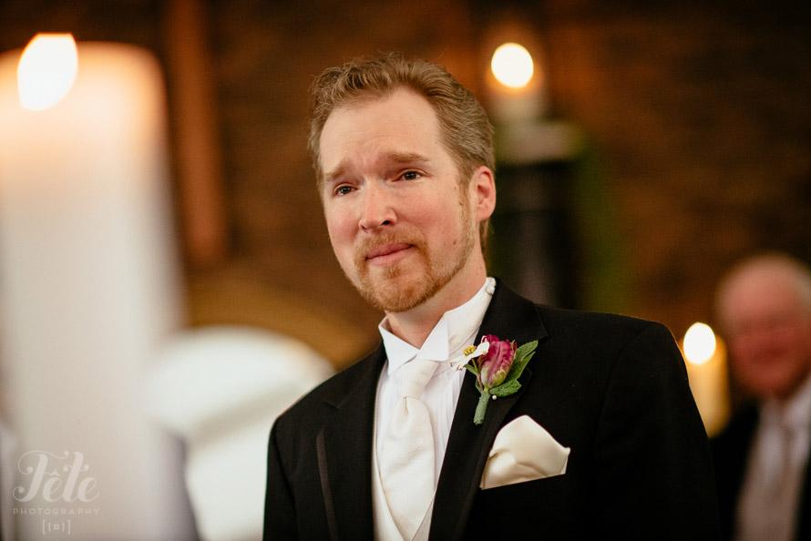 16-grooms-emotional-as-bride-walks-down-aisle