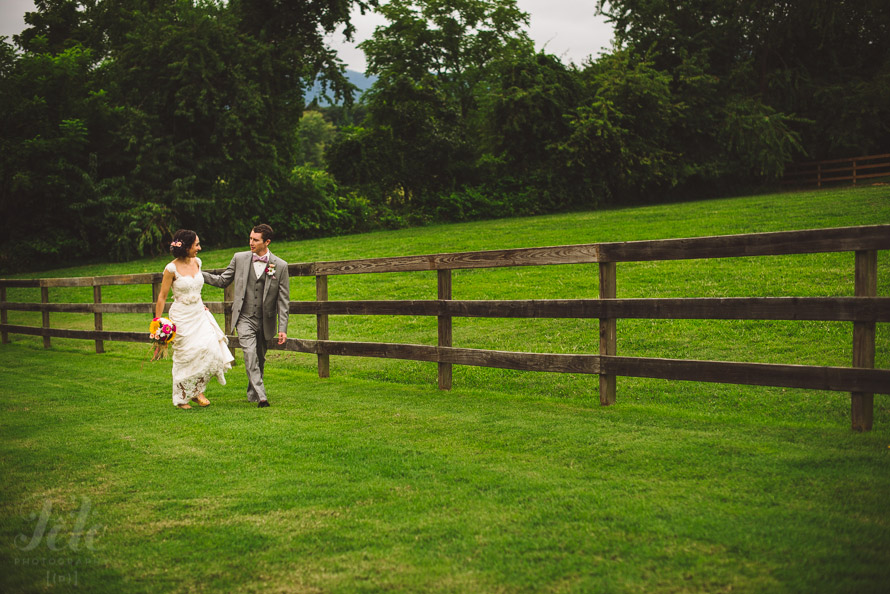 35-rustic-asheville-wedding