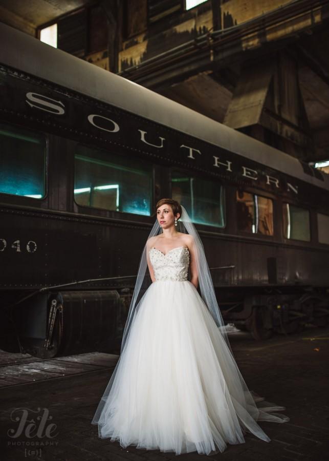 08-savannah-bridal-railroad-museum-wedding