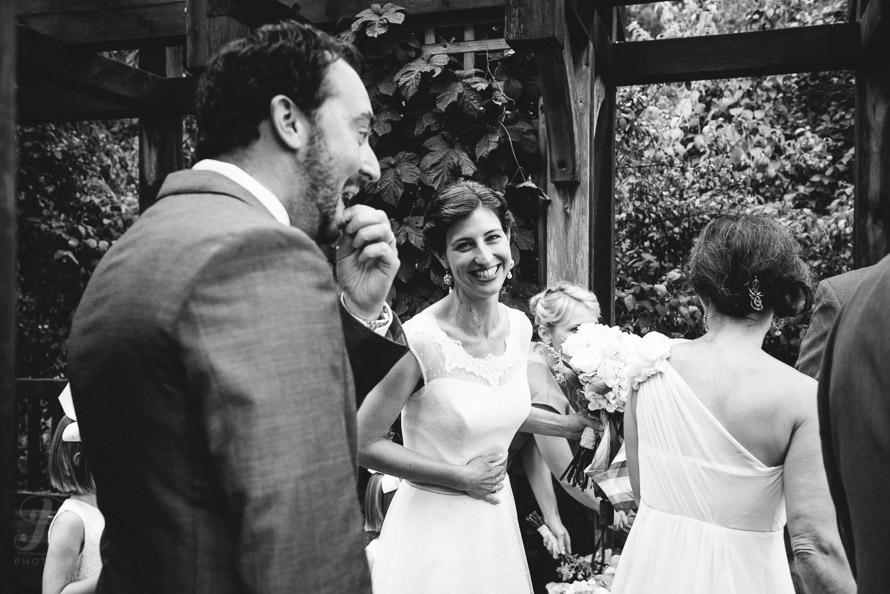 10-bride-smiles-before-ceremony