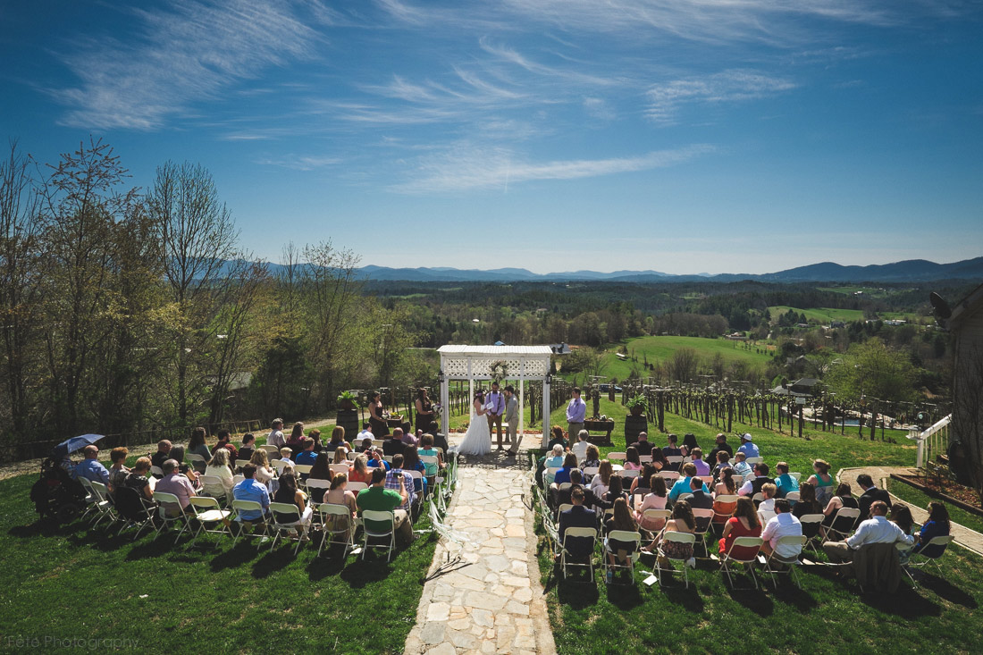 wedding ceremony at fontaine vineyards