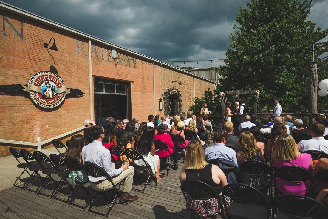 18-highland-brewing-company-wedding-ceremony