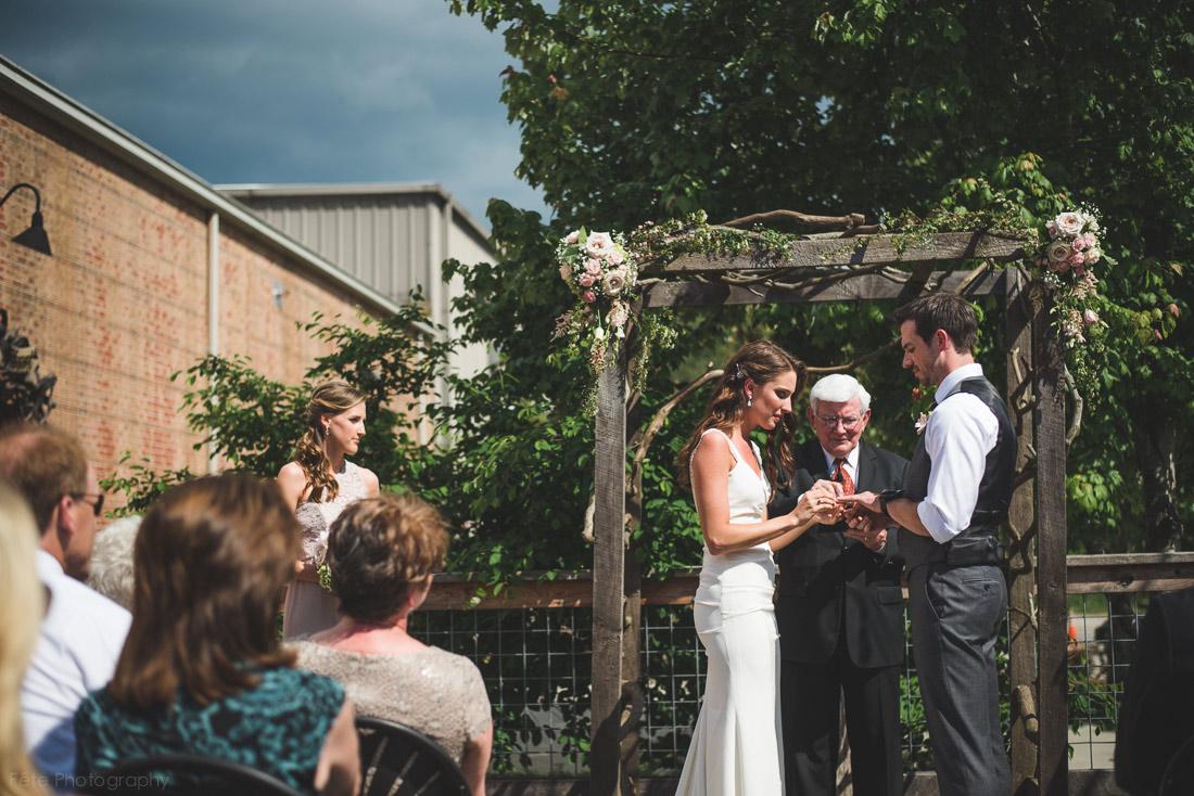 19-highland-brewing-company-wedding-asheville