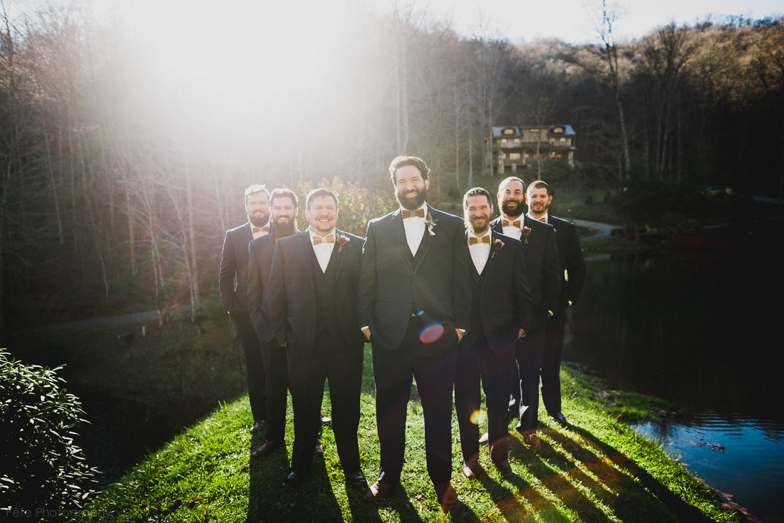 18-awesome-groomsmen-photo