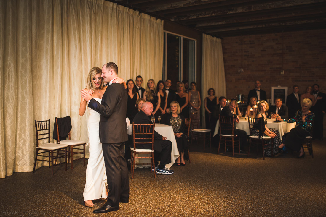 20-asheville-venue-wedding-first-dance