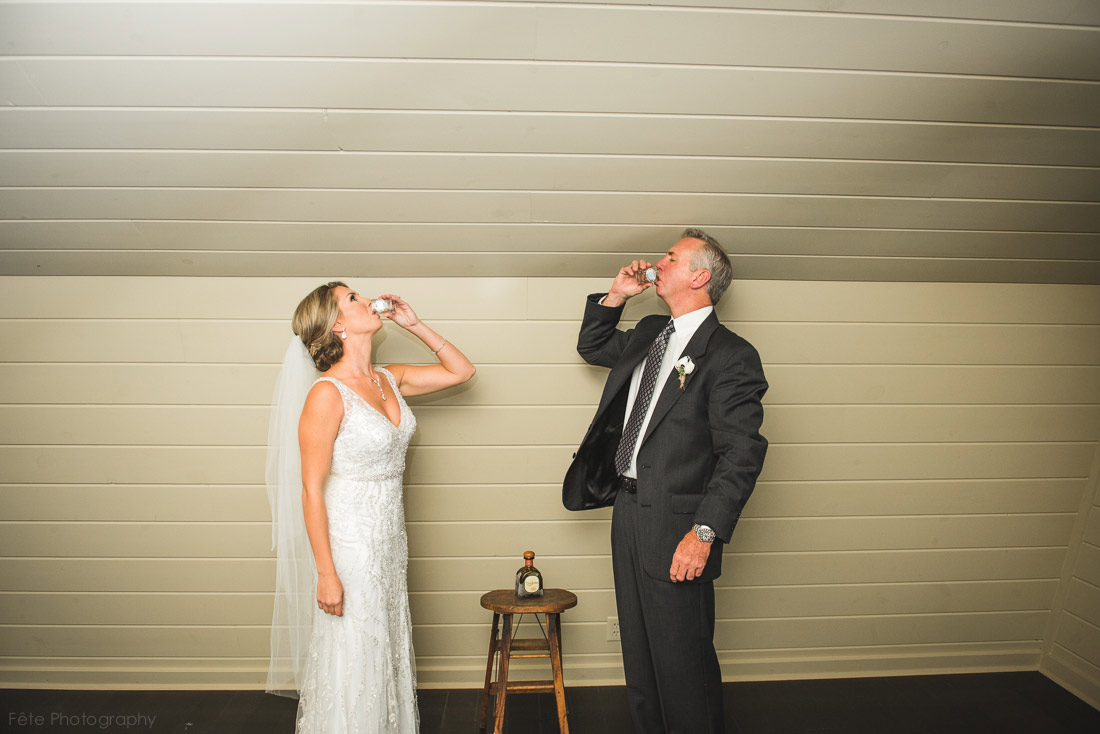 11-shots-with-dad-before-wedding