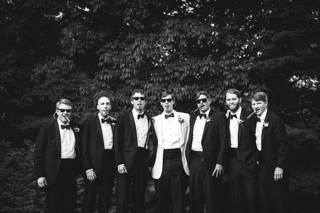 19-groomsmen-with-cigars