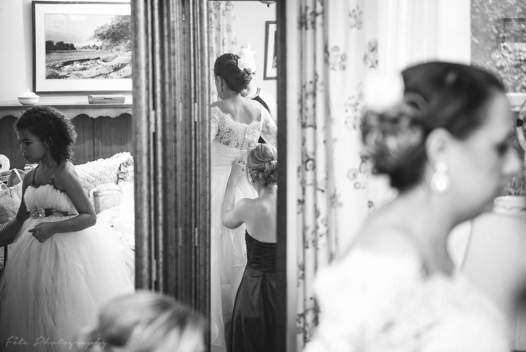 08-wedding-reflection-shot