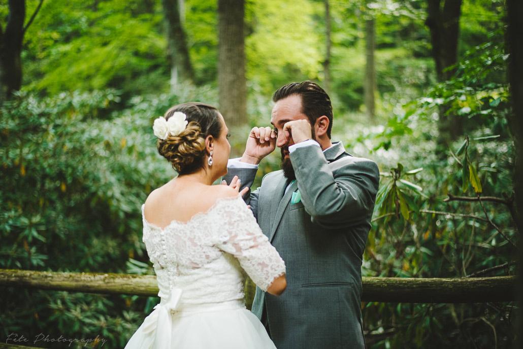 11-lake-eden-events-wedding-first-look