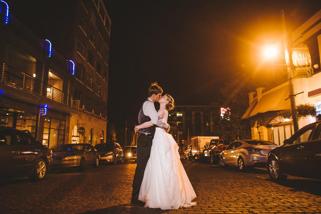 35-asheville-wedding-downtown