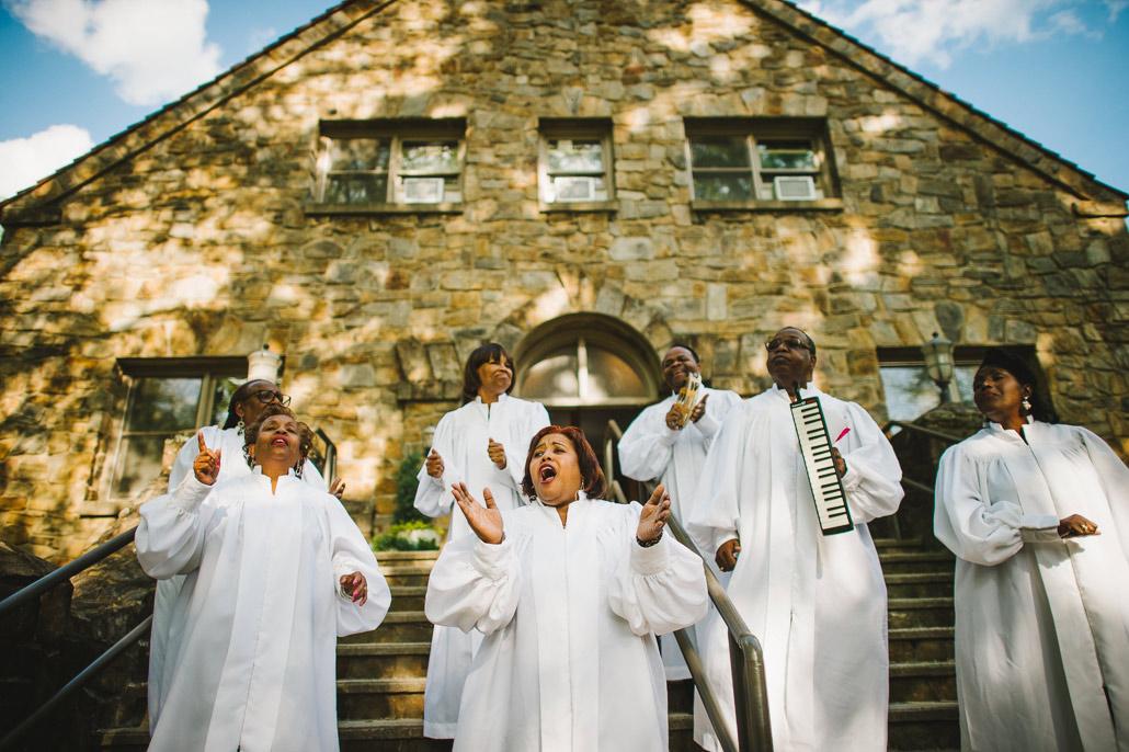 16-voices-of-deliverance-wedding-gospel-choir