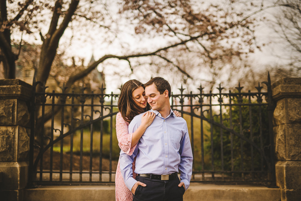 01-biltmore-estate-sweet-engagement-photo