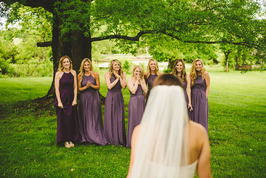 03-bridesmaids-see-bride-for-first-time