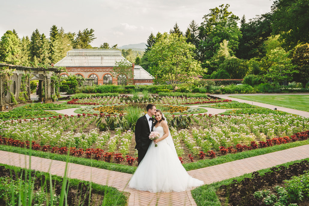 22-biltmore-estate-walled-garden-wedding