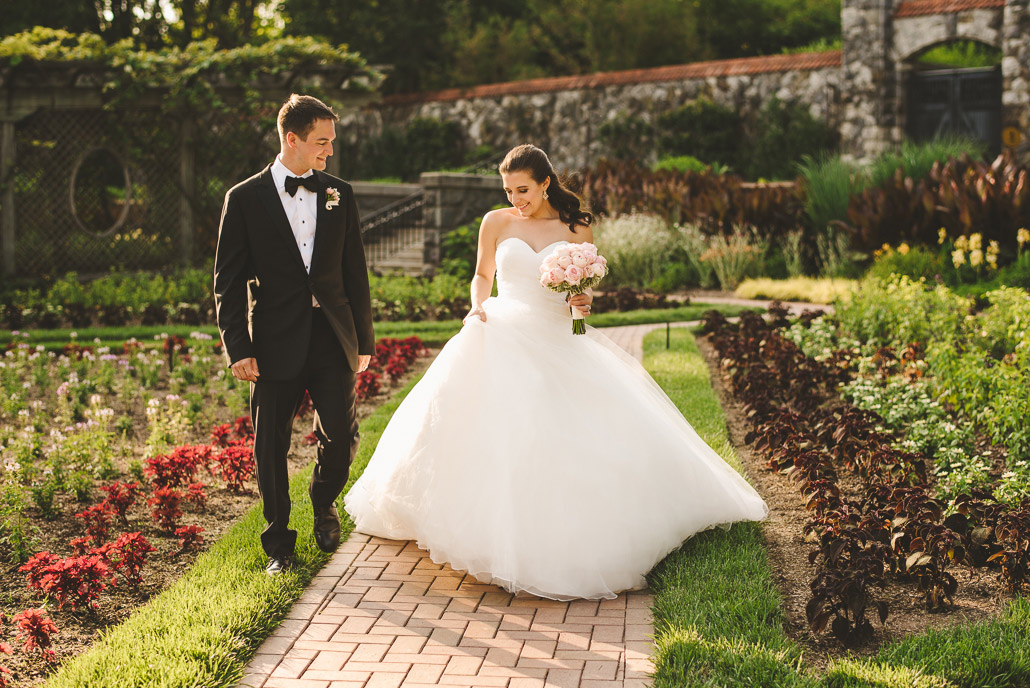 23-biltmore-estate-garden-weddings
