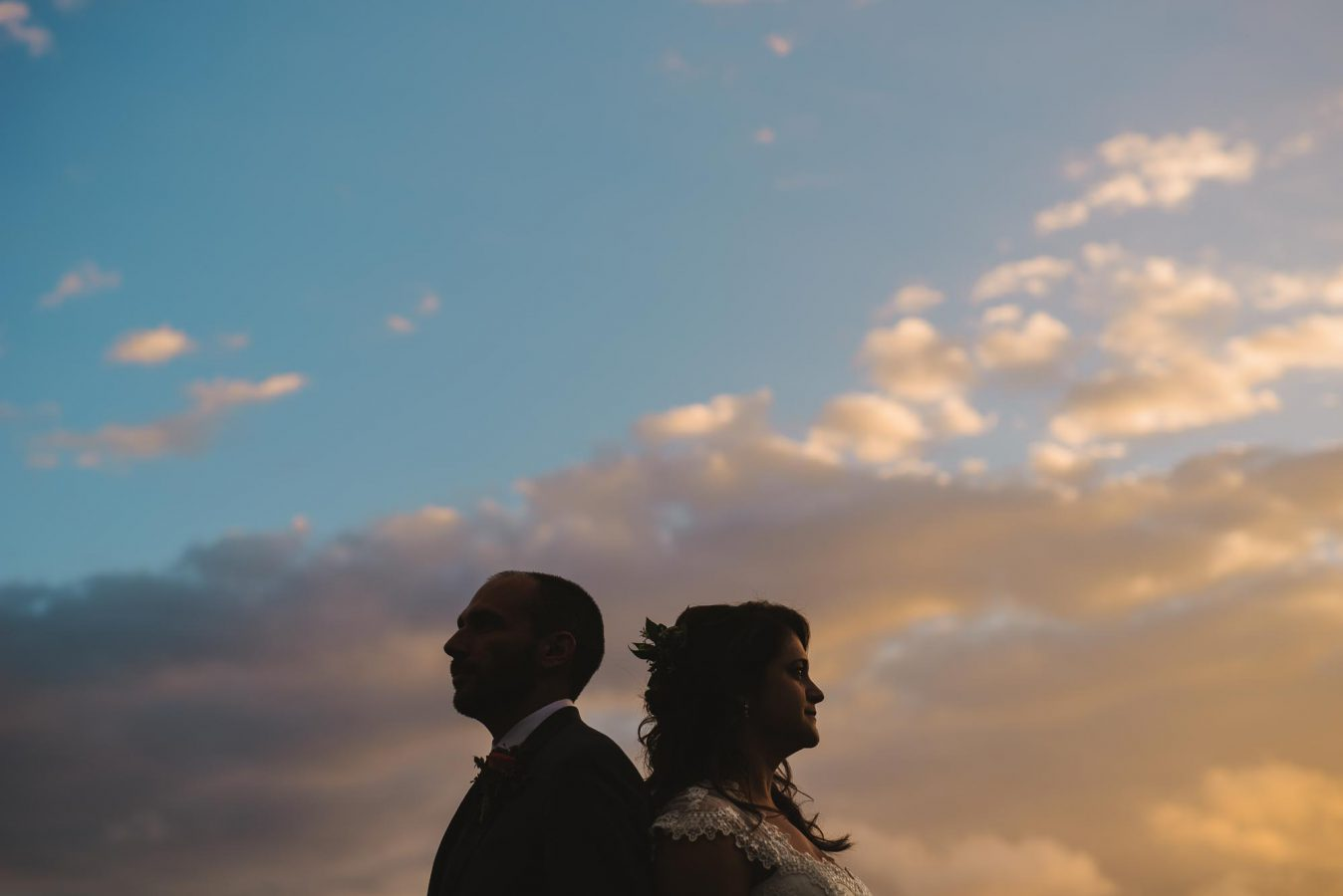 19-silhouette-sunset-wedding-photo