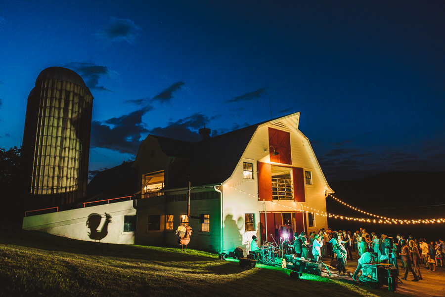 25-oskar-blues-reeb-ranch-wedding
