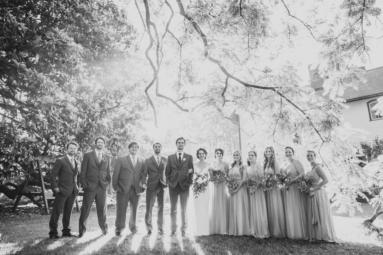 Great wedding party photo